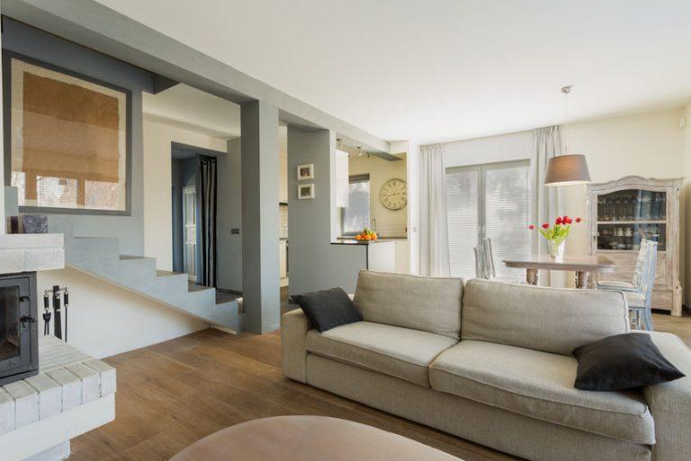 Canapé d'angle : comment le choisir pour un salon chic et design ?